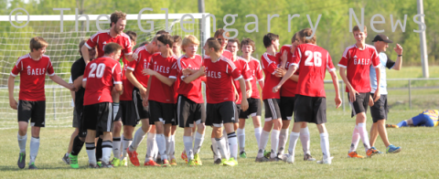 http://glengarry247.com/glengarry247/sites/default/files/field/image/2016-GDHS-boys-team-celebrate0711.png